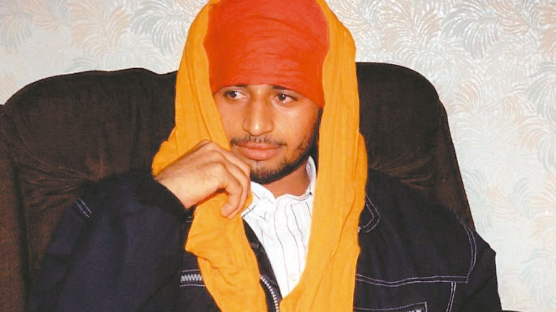 印度44歲男子塞尼22年前躲在一架由德里飛往倫敦的客機起落架艙內,成功偷渡至英國...