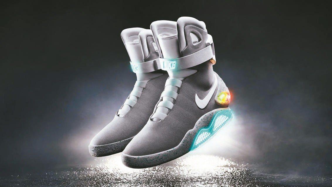 蘇富比首辦運動鞋拍賣會,凸顯其地位已快速晉升至收藏品等級。圖為Nike的《回到未...
