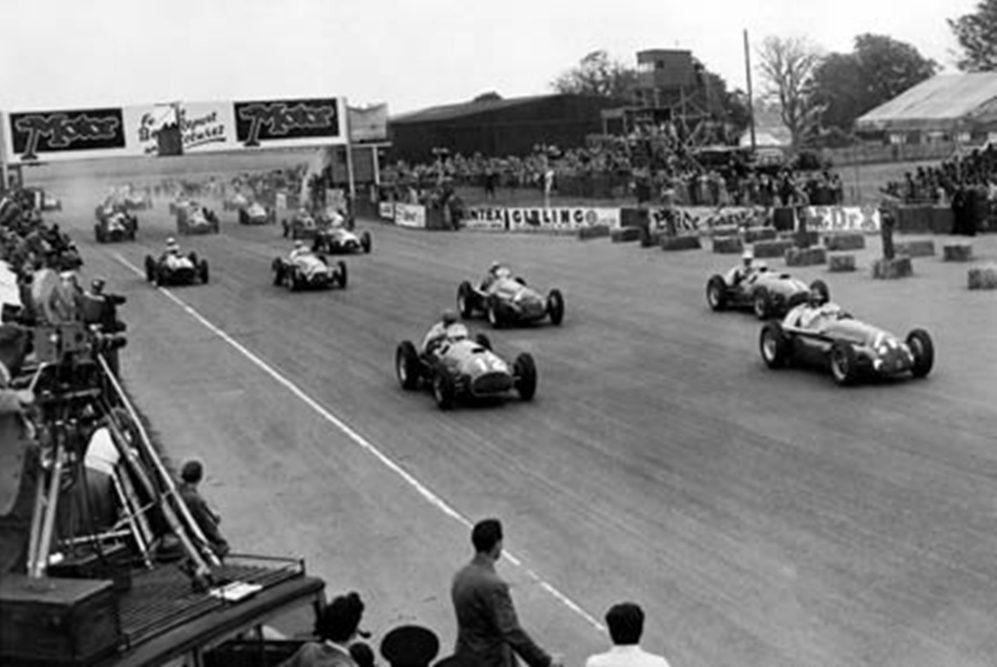 1951年7月舉辦的F1英國大獎賽。 摘自F1
