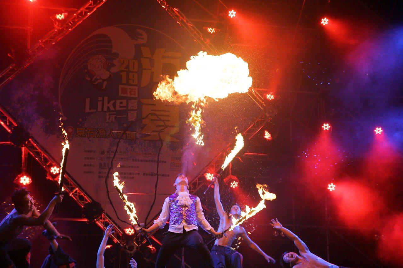 「2019東石海之夏」昨晚邀請「Coming True Fire Group即將...