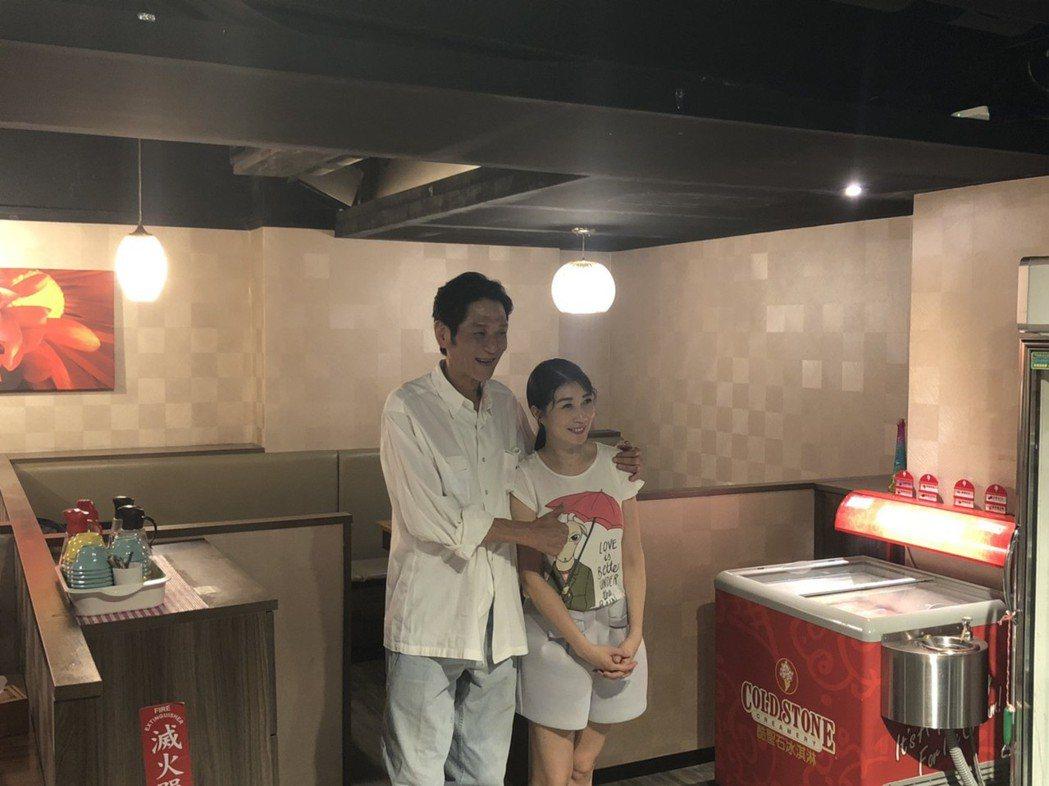 喜翔、黃嘉千出席「老大人」慶功宴。記者陳建嘉攝