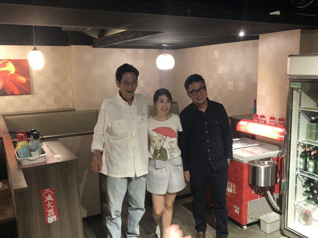 喜翔、黃嘉千以及導演洪伯豪出席「老大人」慶功宴。記者陳建嘉攝