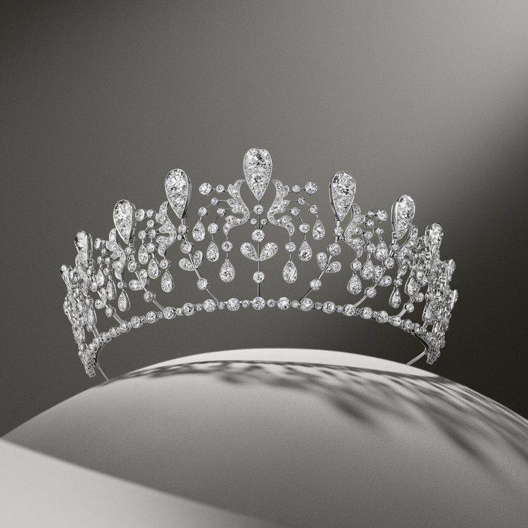 金鐘花冠冕(又名「波旁·帕爾瑪」冠冕),屬於波旁帕爾瑪的Hedwige公主所擁有...