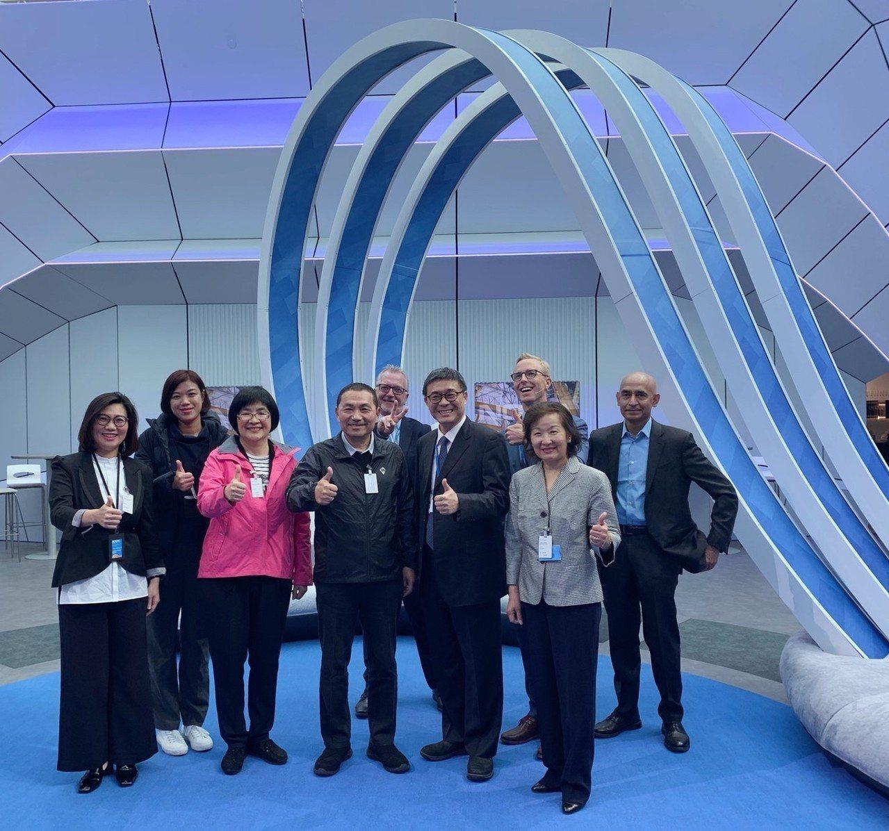 新北市長侯友宜與市府團隊參訪芬蘭NOKIA總部。圖/新北新聞局提供