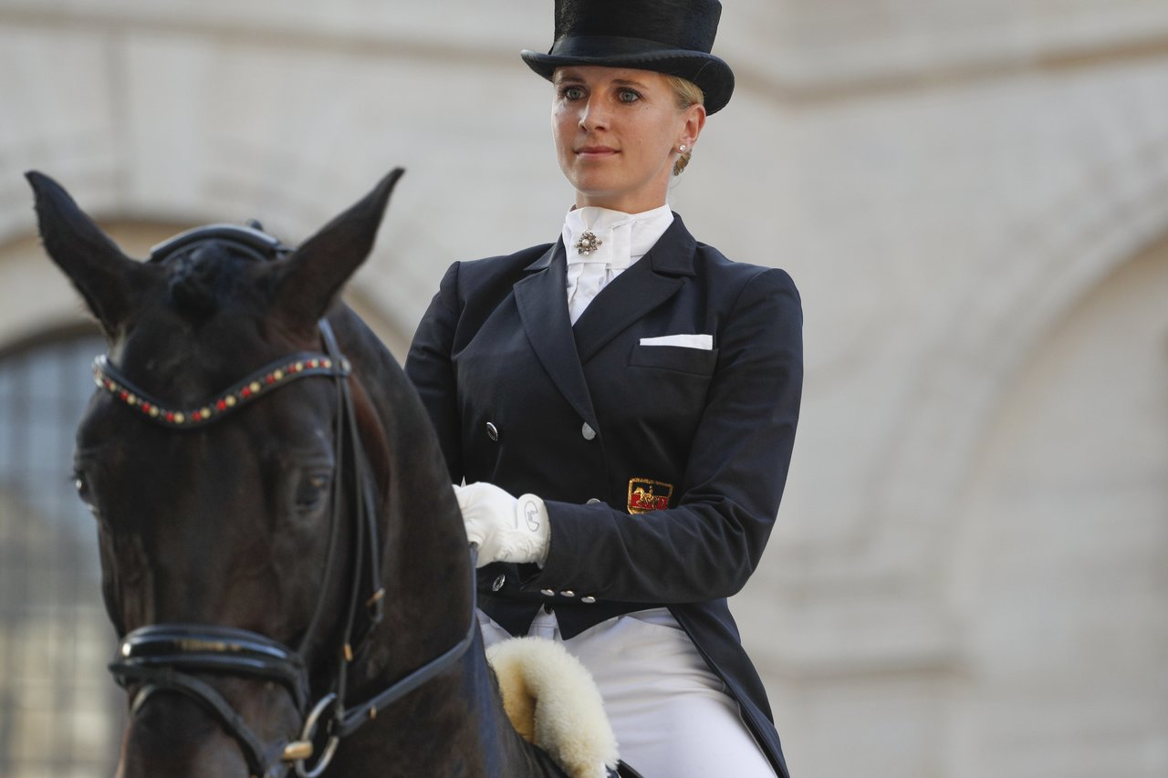 馬術冠軍Jessica von Bredow-Werndl還為在場的500名賓客...