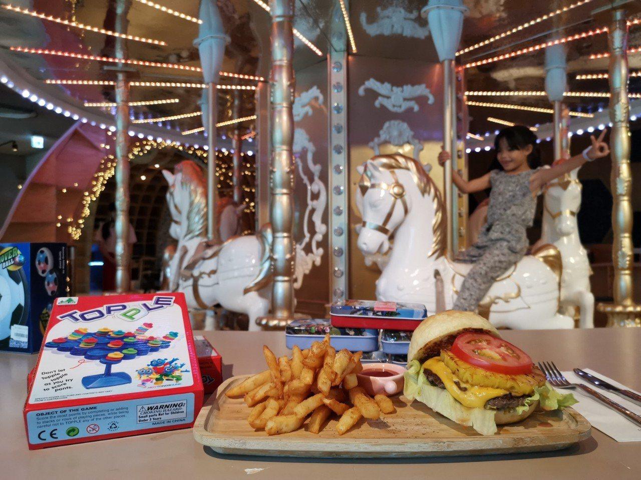 MONEYJUMP是全台灣唯一有旋轉木馬的親子餐廳,搭配不輸高檔飯店的餐點,讓大...