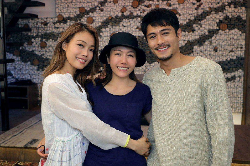 容祖兒(左)邀好友彭秀慧執導,與黃寶漳合作。圖/英皇娛樂提供