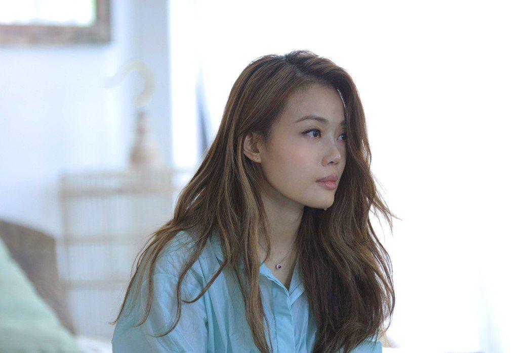 容祖兒在MV裡頻頻落淚。圖/英皇娛樂提供
