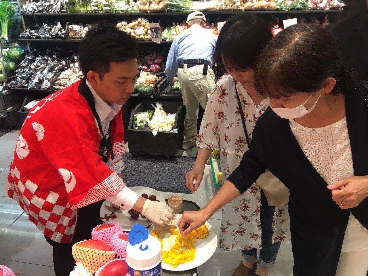 台南芒果日本銷售開紅盤,今年除達標,更追加1000箱。圖/台南市政府農業局提供