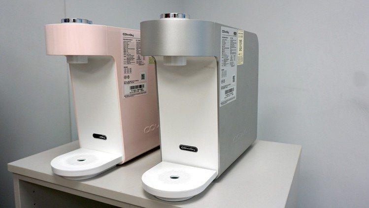 接下來Coway還預計推出具有粉嫩時尚外型,不需插電的常溫濾水器P-350N。記...