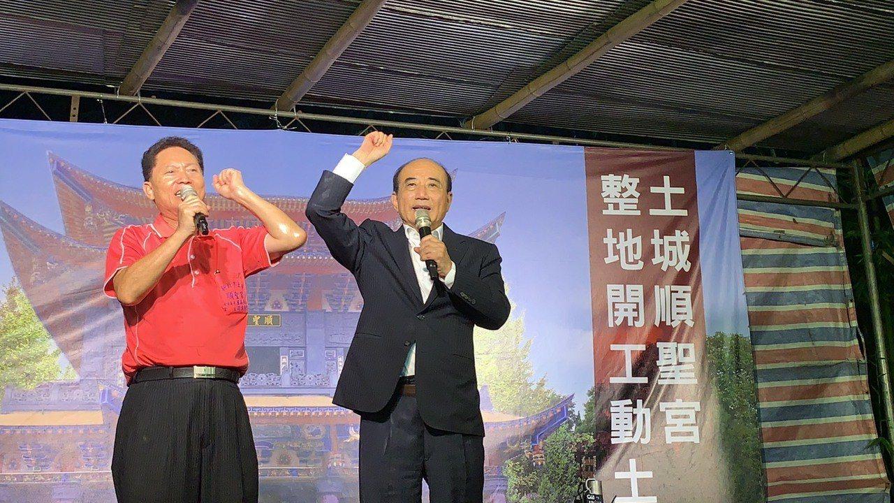 王金平表示,參選總統的問題,一切都按照關聖帝君來作主,順著緣分走。記者張曼蘋/攝...