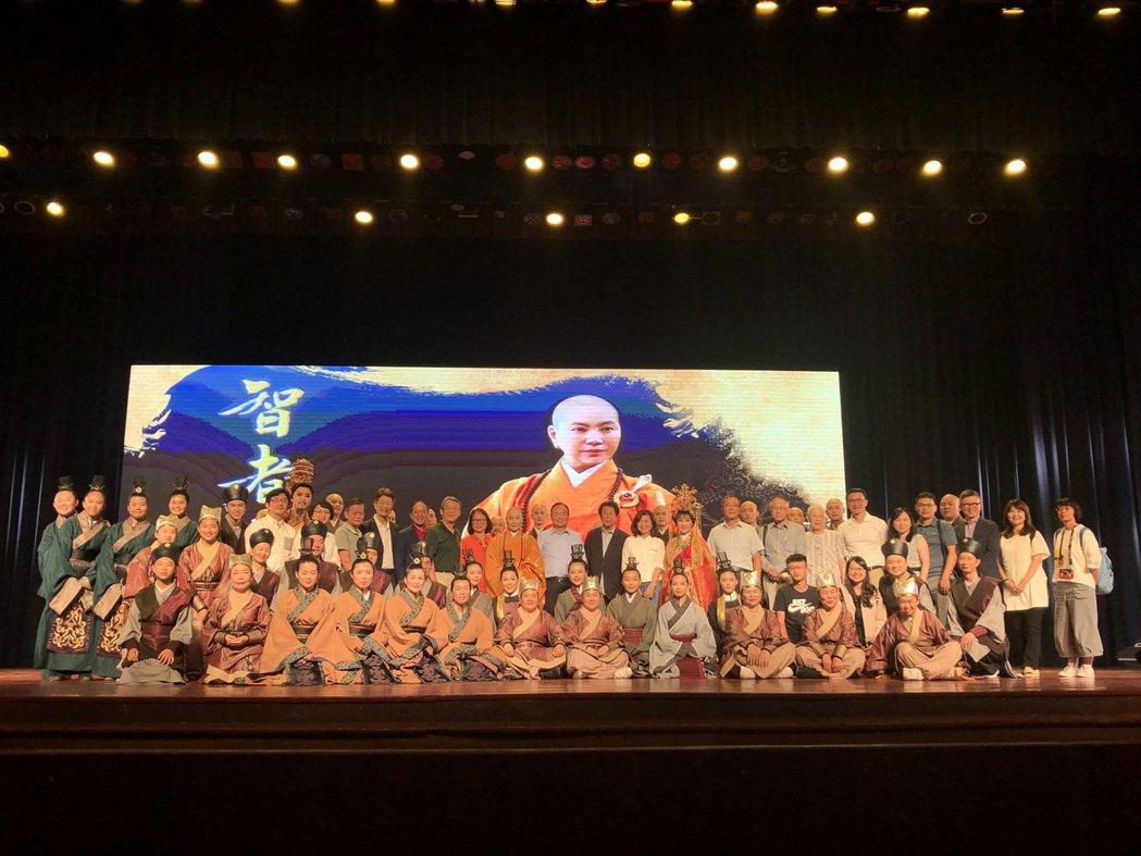 唐美雲歌仔戲在馬來西亞馬六甲公演,獲得滿堂彩。圖/唐美雲歌仔戲團提供