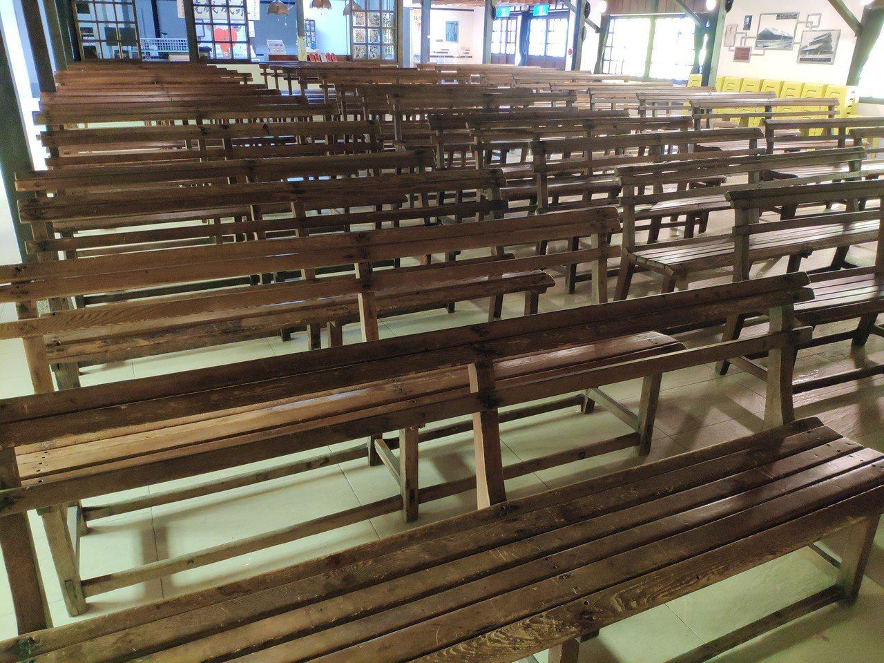 鹽水永成戲院內部保存的傳統木椅。記者謝進盛/攝影