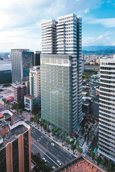 聯合報舊大樓改建的「聯合。大於」,屹立在這個人文地點上。 圖/璞園提供
