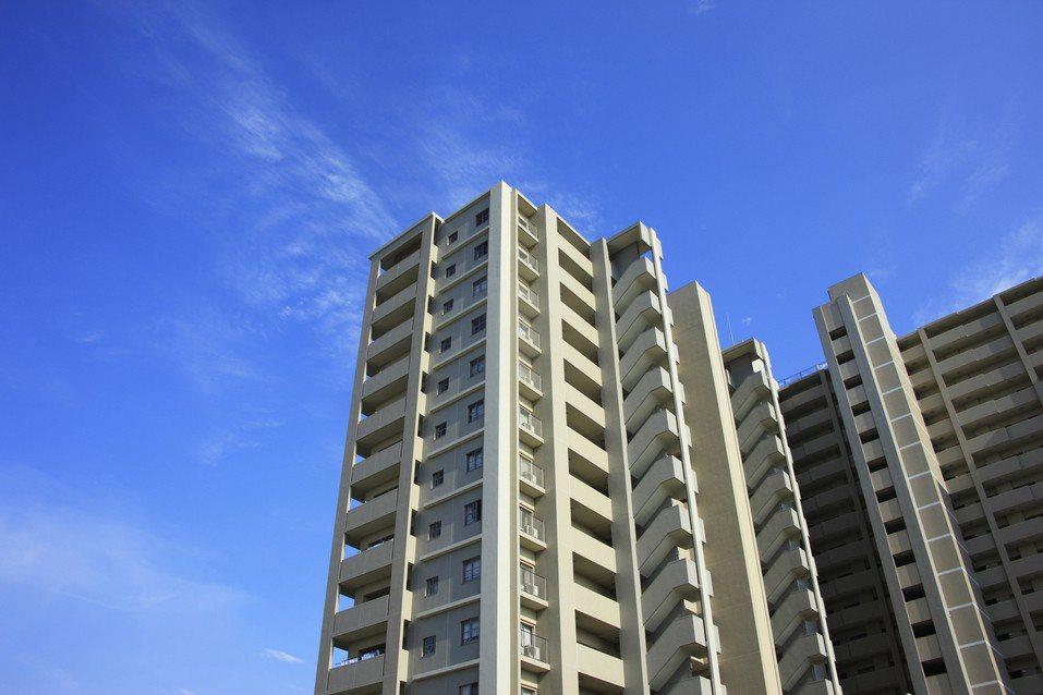 豪宅屋主加入社會宅方案,以低價提供政策戶租貸被讚佛心。示意圖,圖片來源/ingi...