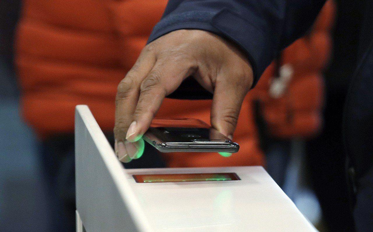 亞洲快速邁向無現金社會,電子支付的比率已經超過刷信用卡消費。美聯社