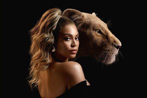迪士尼全新電影「獅子王」不僅電影特效動畫栩栩如生,幕後的配音及音樂更是扮演電影中最重要的靈魂。迪士尼這次特別安排了國際天后碧昂絲重磅聯手華語歌神張學友,破天荒合作獻唱電影經典歌曲「今夜我屬於愛情」,...