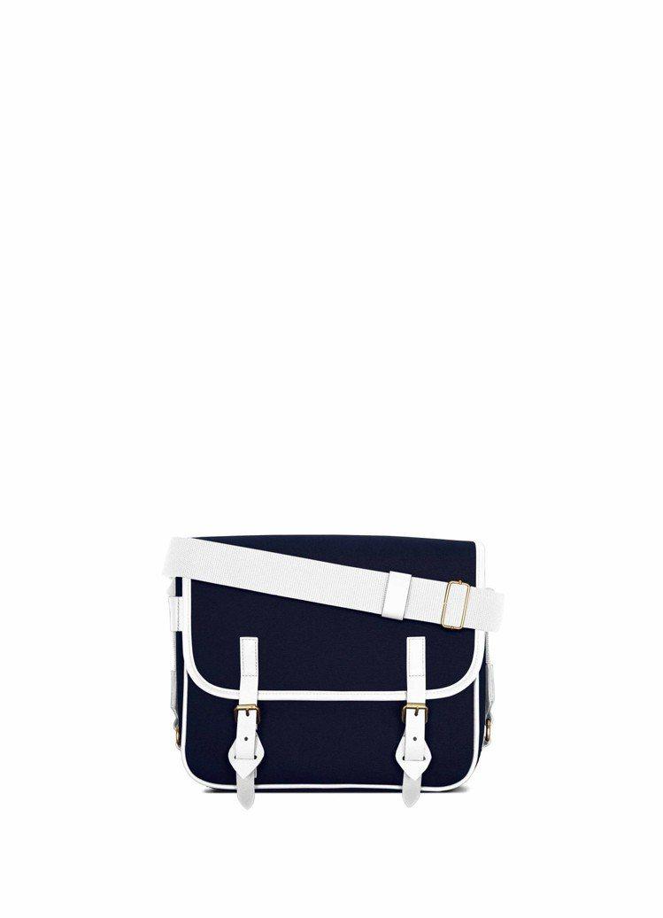 No.43白×海軍藍色色側背包,28,000元。圖/LUNIFORM提供