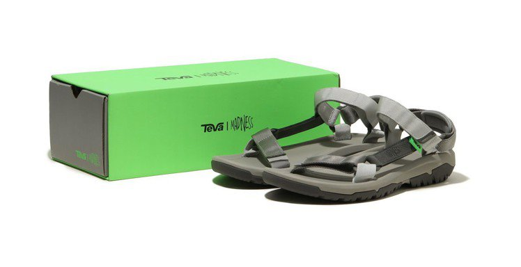 Teva® X MADNESS涼鞋,建議售價3,680元。圖/Teva提供