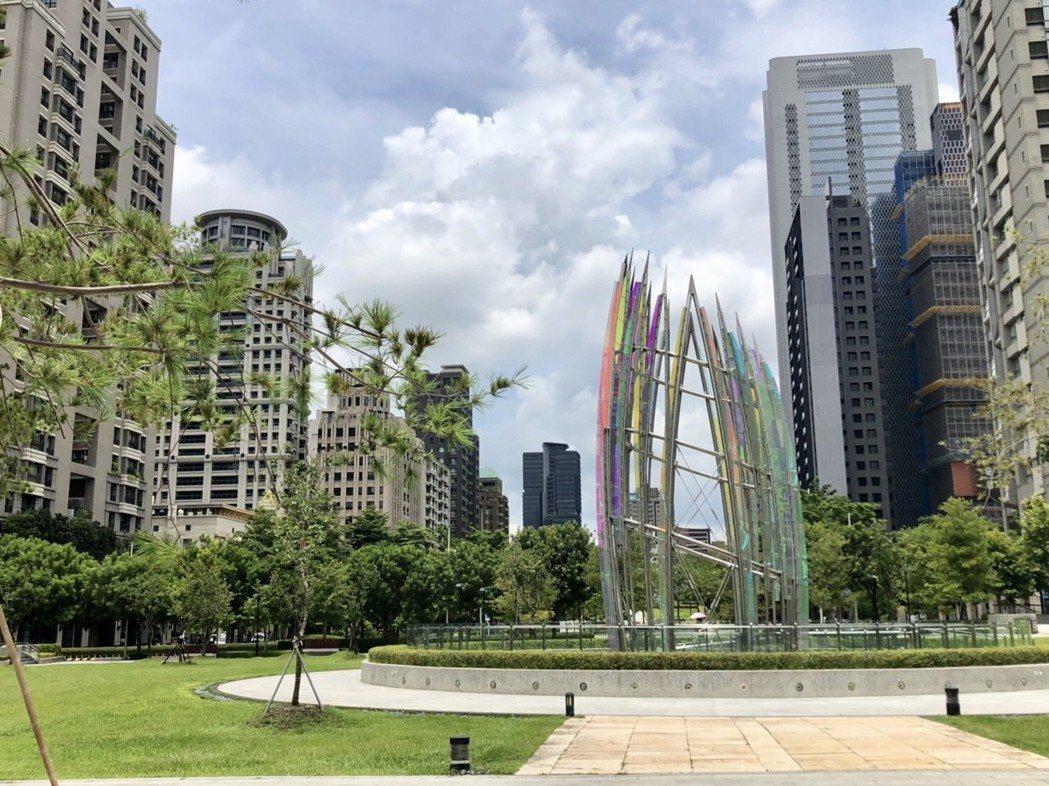台中七期新市政中心土地交易熱度不減,今年上半年土地交易金額已超過134億元、交易...