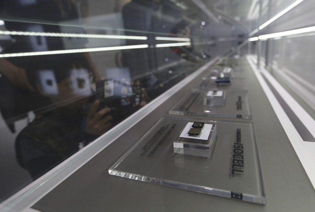 南韓三星生產的微晶片可能受到日本出口限制影響。(美聯社)