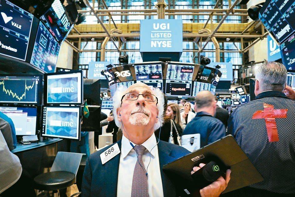美國聯準會7月可能降息,再為債券基金增添資金魅力。根據最新EPFR統計,上周資金...