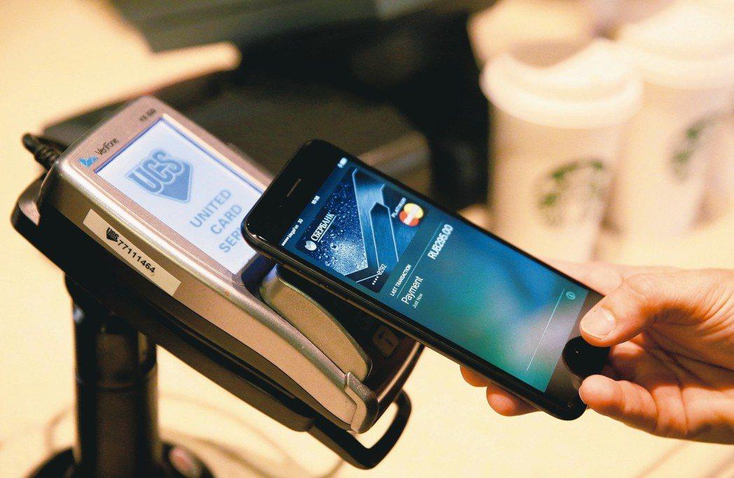 亞洲快速邁向無現金社會,行動支付平台持續擴大相關服務,電子支付的比率已經超過刷信...