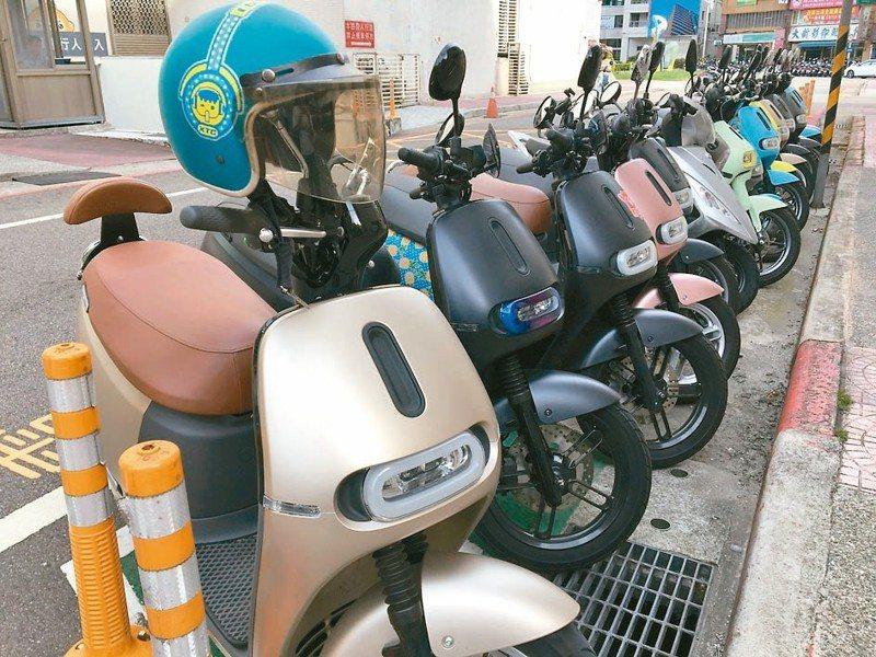 行政院副院長陳其邁昨透露,電動機車購車及舊換新補助將持續。 本報系資料庫