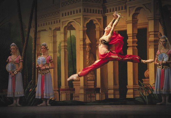伊蓮娜.歌勒妮高娃飾演「舞姬」。 聯合數位文創提供