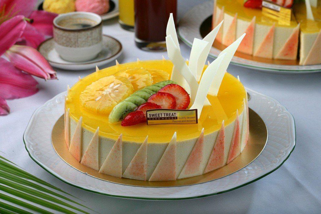 SUNNY CAFE於父親節活動期間,推出現場任一款6吋、8吋蛋糕88折。王朝大...