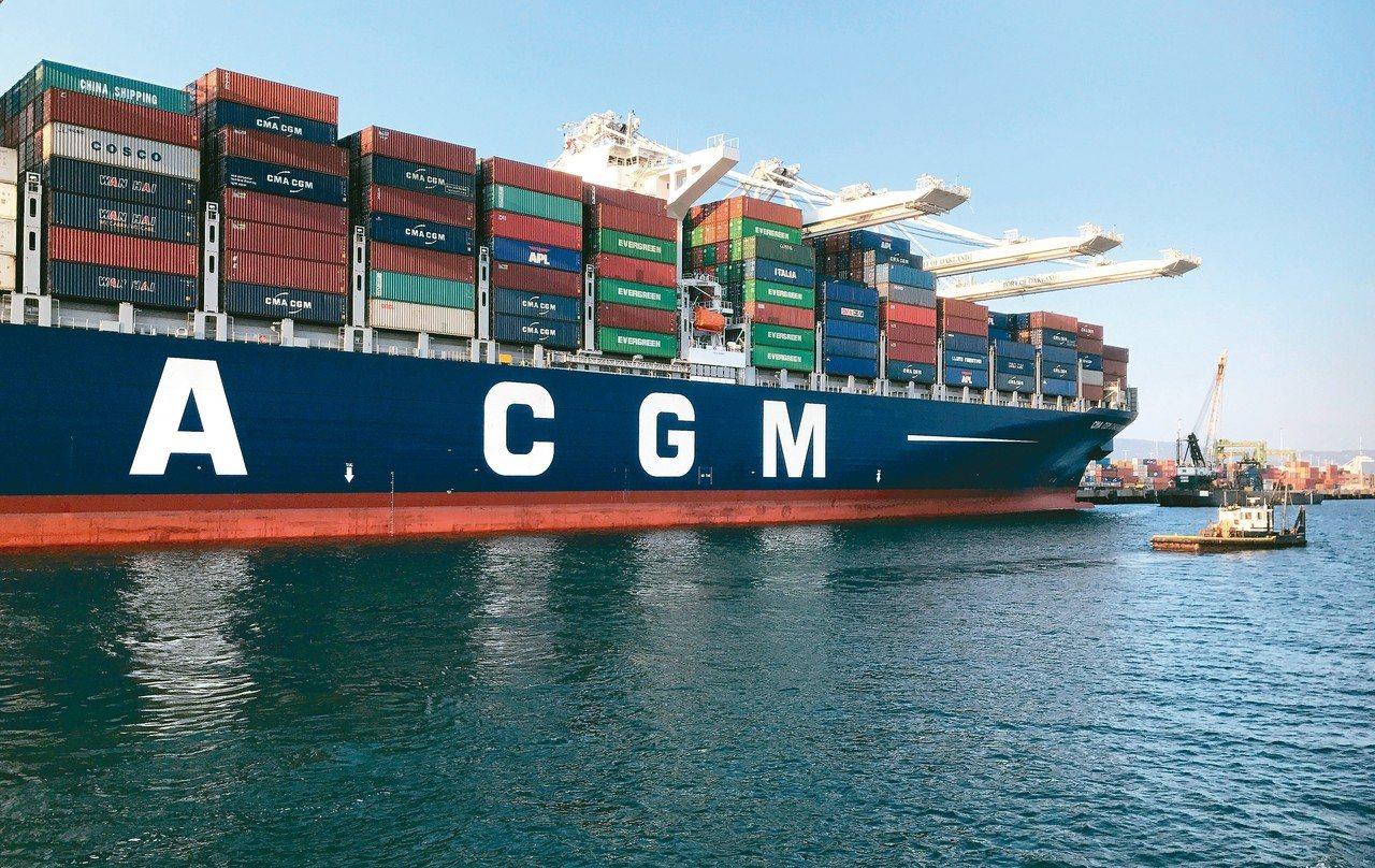 BDI指數飆近5年新高,帶動散裝船運價攀升,相關類股營運有望受惠。 路透