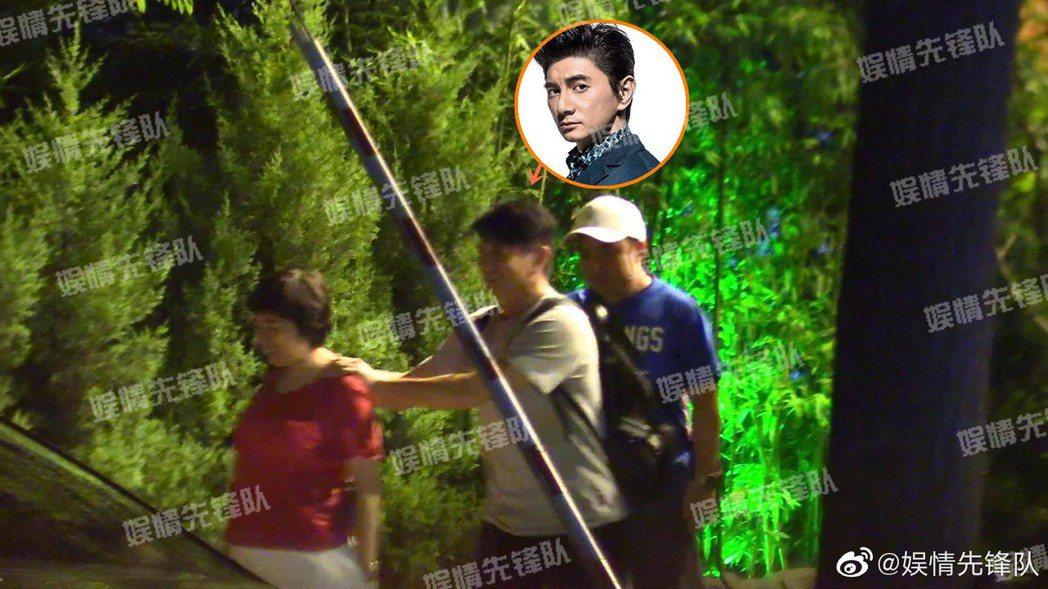 吳奇隆與友人聚餐,看起來人腫了一圈。 圖/擷自微博