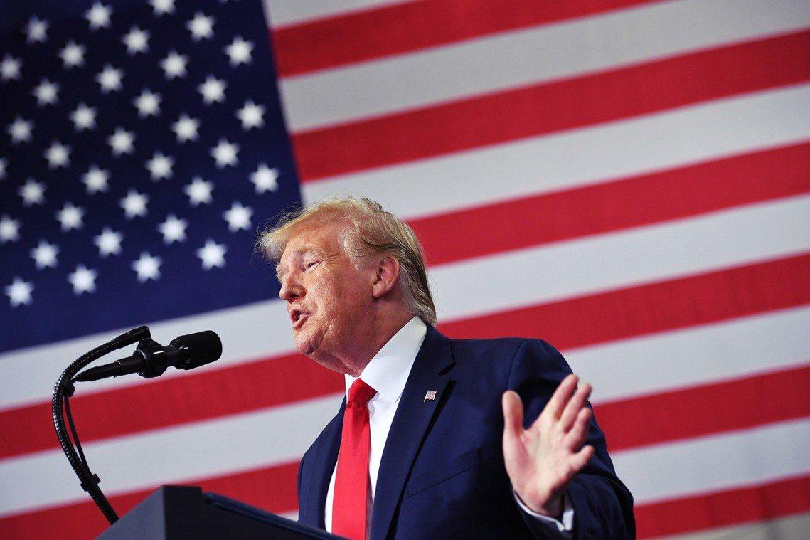 「美國世界最棒,不爽就滾回『你們的國家』!」美國總統川普日前在推特上,針對國會進...