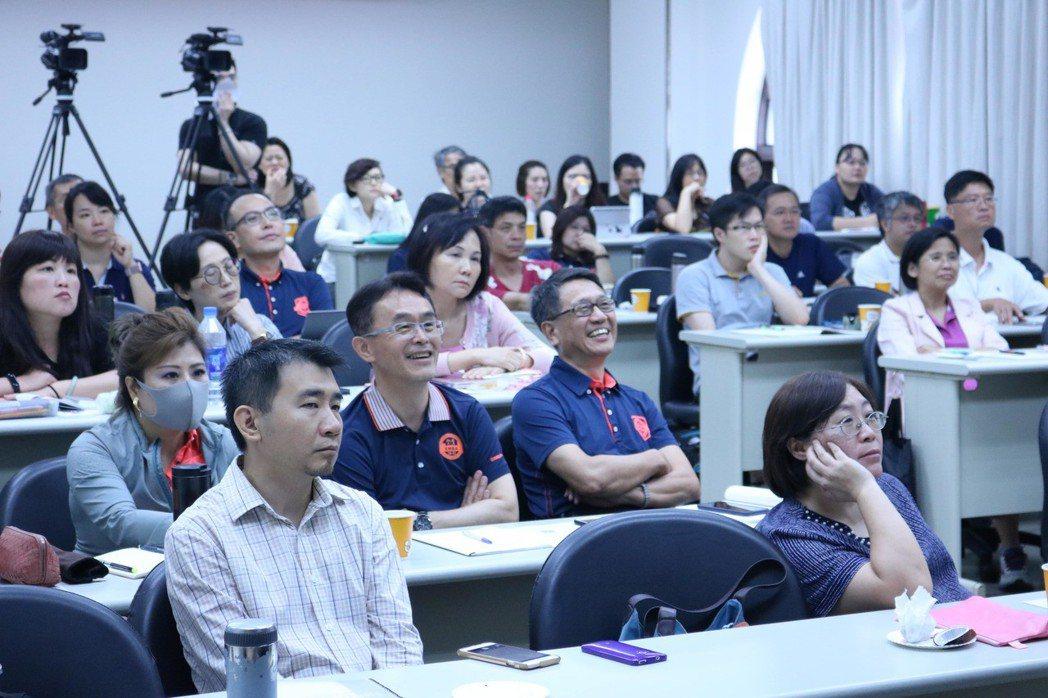 講者生動的分享感染了現場聽眾。 交大/提供