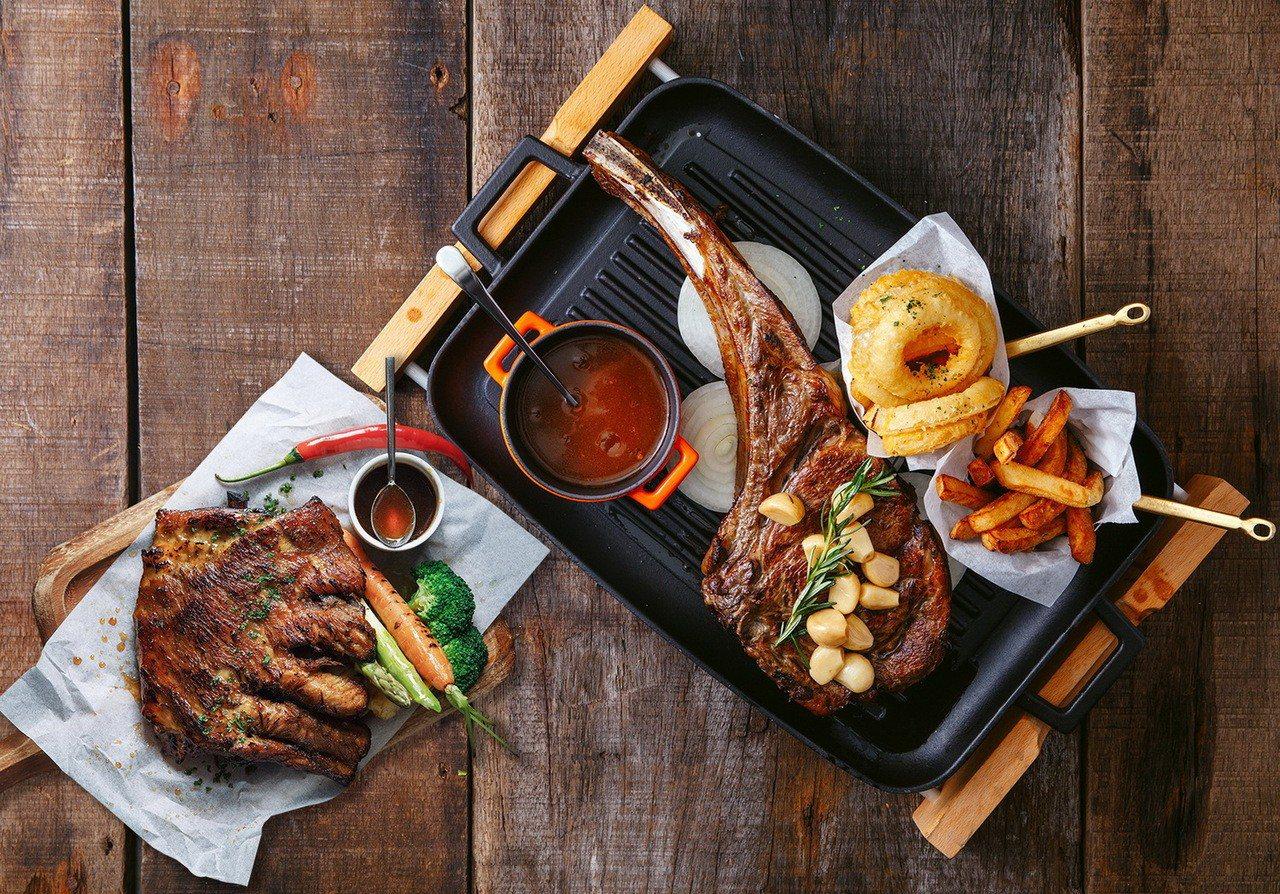 Port23的「爐烤美國極黑和牛戰斧牛排」及「美式蜜汁爐烤豬肋排」,重量級的美味...