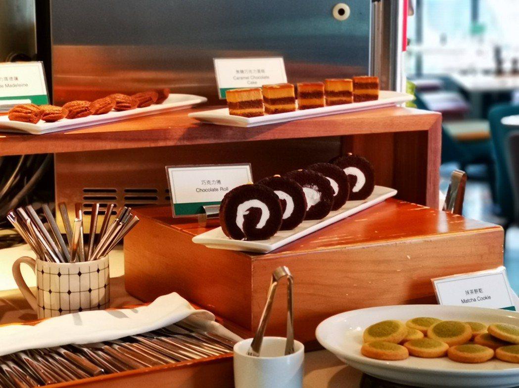 Port23的自助餐檯,提供有機生菜沙拉、甜點、湯品、開胃小點等多項菜色,讓客人...