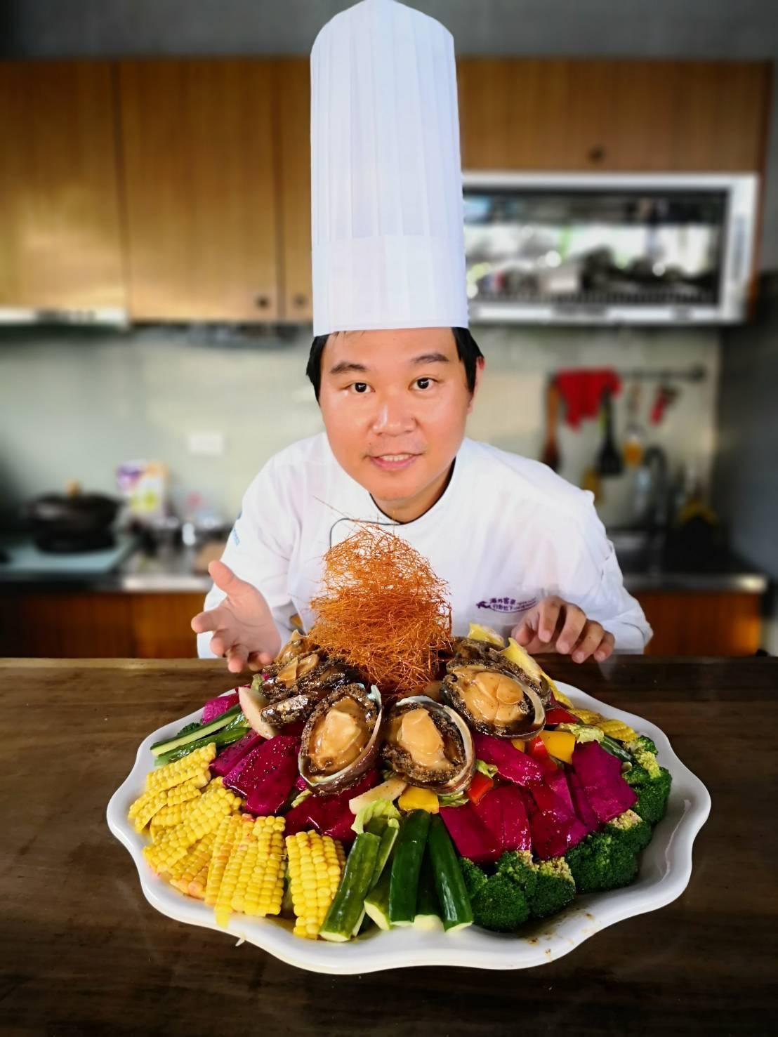 台菜小天王溫國智的無菜單料理,「鮮蔬彩虹鮑」很養生。圖/溫國智提供