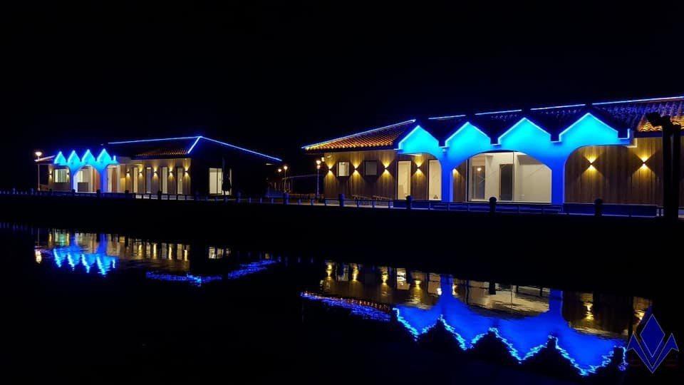台灣公主布袋國際遊艇港上午熱鬧開幕,搭配夜間燈光營造,打造全台最美遊艇港。圖/公...