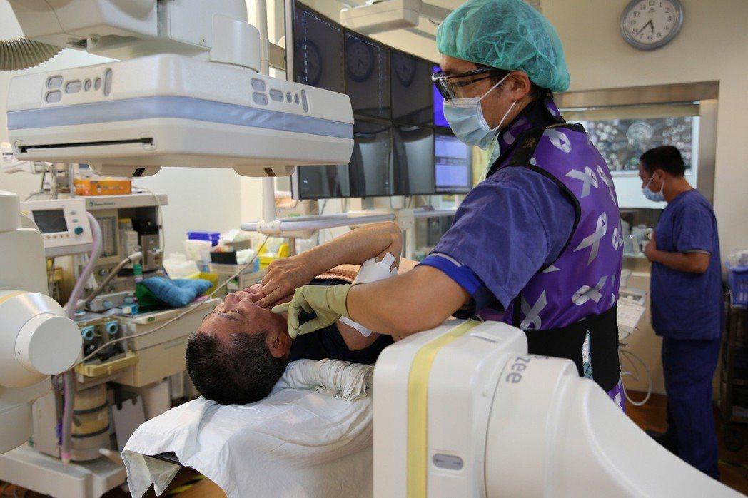 花蓮慈濟醫院指出,三叉神經痛的病患有可能以為是牙痛而拔牙,卻無法緩解疼痛。圖/花...