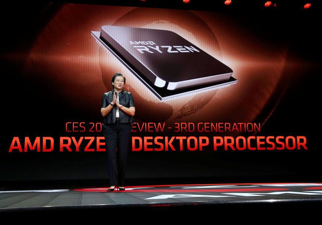 超微執行長蘇姿丰1月在美國消費性電子大展(CES)發表Ryen桌上微處理器。路透
