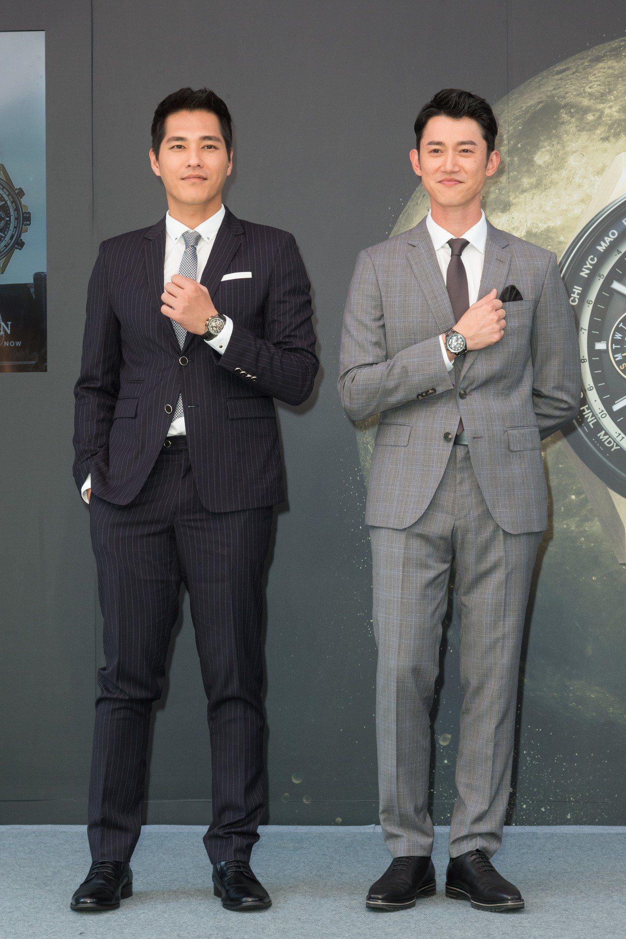 藍正龍(左)與吳慷仁替代言的CITIZEN「品味時光屋」開幕站台,並詮釋了新款F...