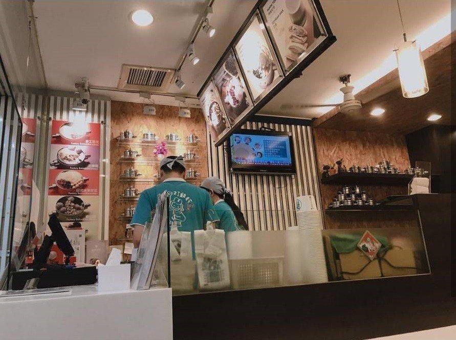 店內裝潢簡潔明亮。圖/IG xin_ling0116提供