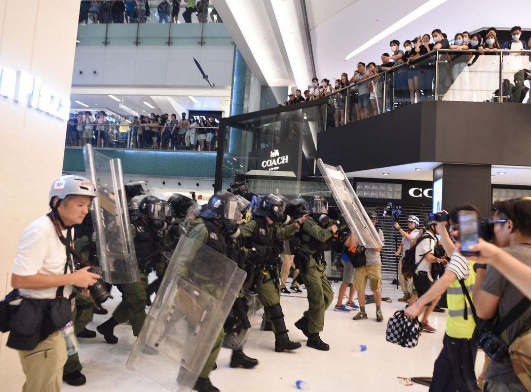 香港「反送中」示威每到假日就遍地開花。取自星島日報