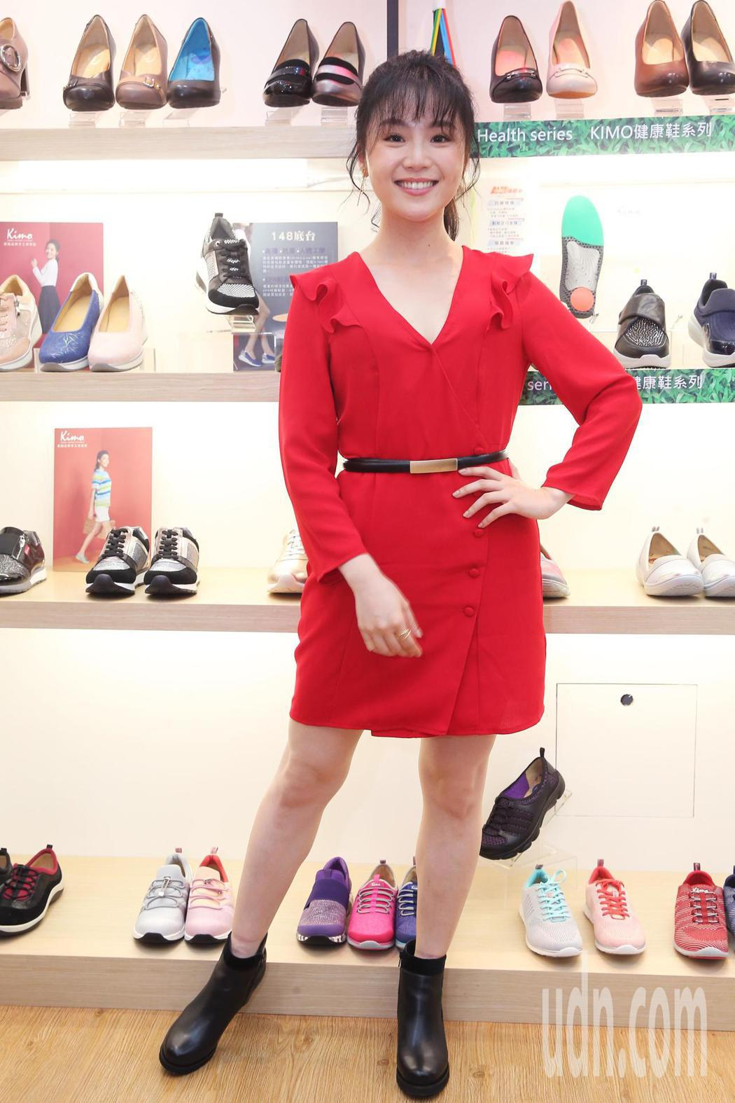 楊小黎今天出席Kimo德國品牌手工氣墊鞋第15家門市開幕活動。記者徐兆玄/攝影