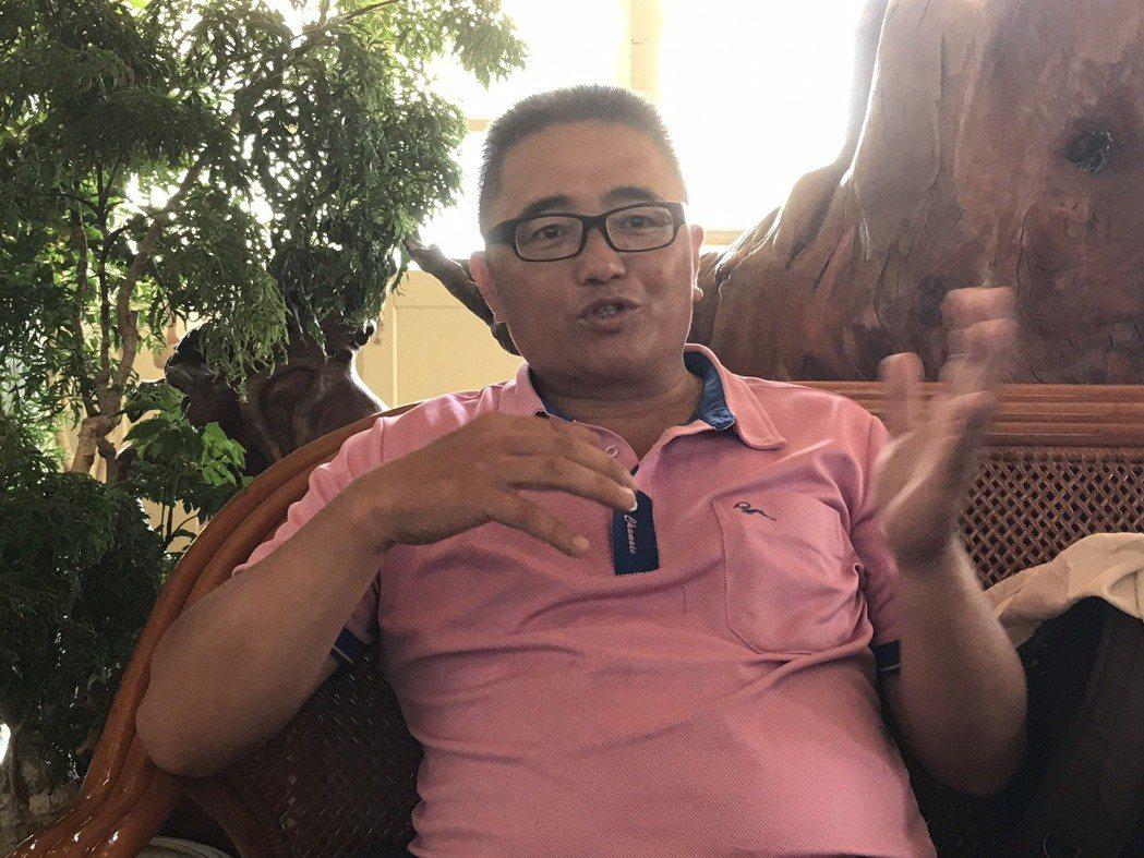 花蓮秀林鄉玻士岸部落會議總幹事林志明說,支持亞泥有條件繼續採礦的族人很多,盼外界...