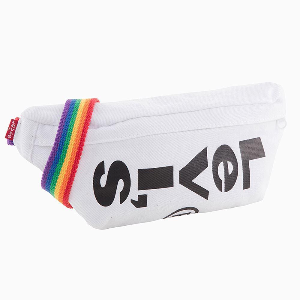 LEVI'S彩虹腰包,蝦皮購物活動價1,190元。圖/蝦皮購物提供
