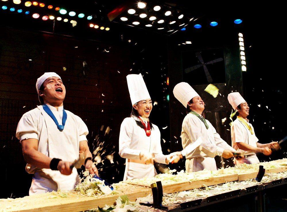 藉由豐富的肢體語言,不用懂韓文也能輕鬆欣賞《Nanta亂打秀》。圖/韓國觀光公社...