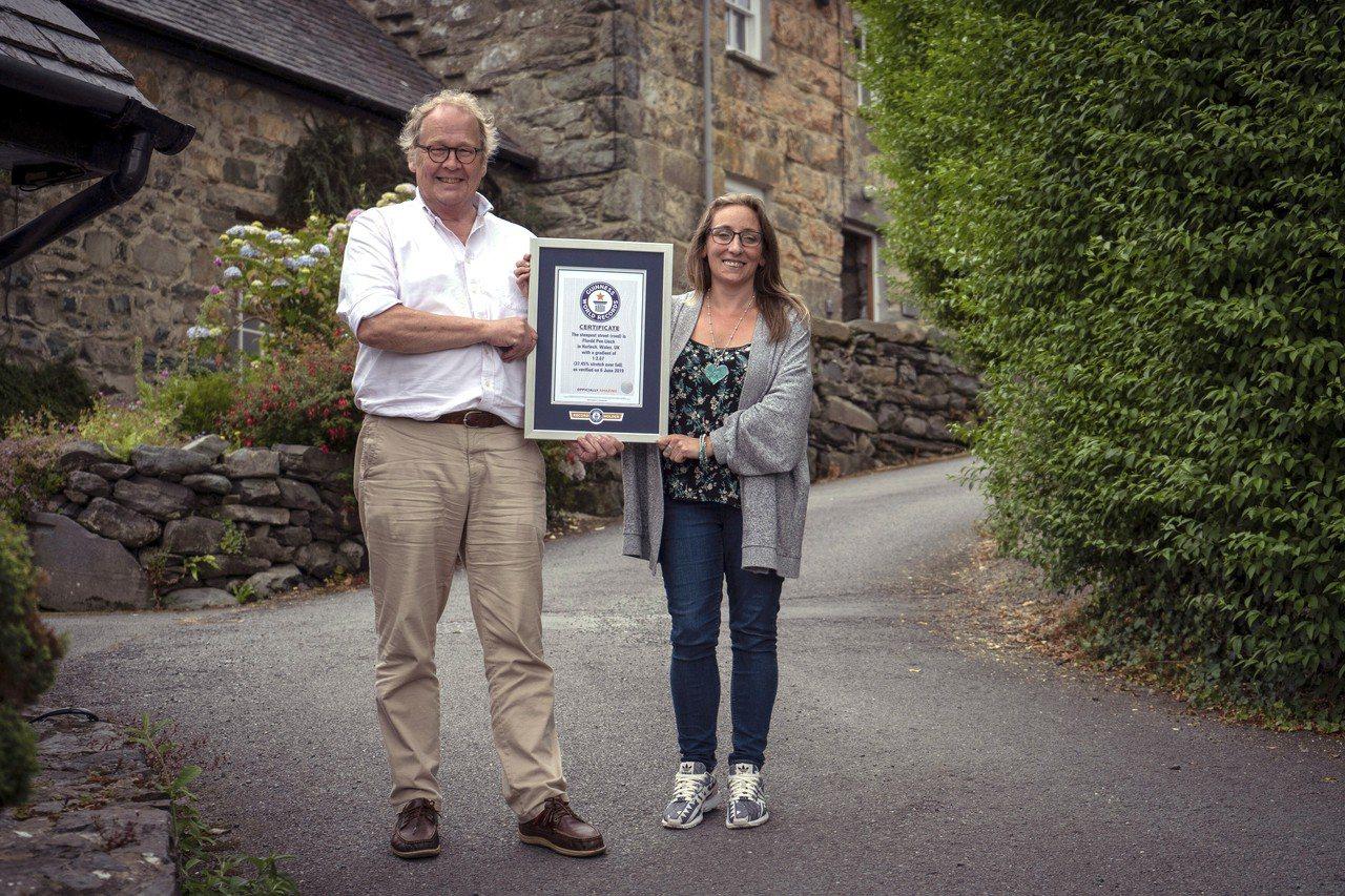 英國威爾斯哈萊克的Ffordd Pen Llech街,現在是金氏世界紀錄中全球最...