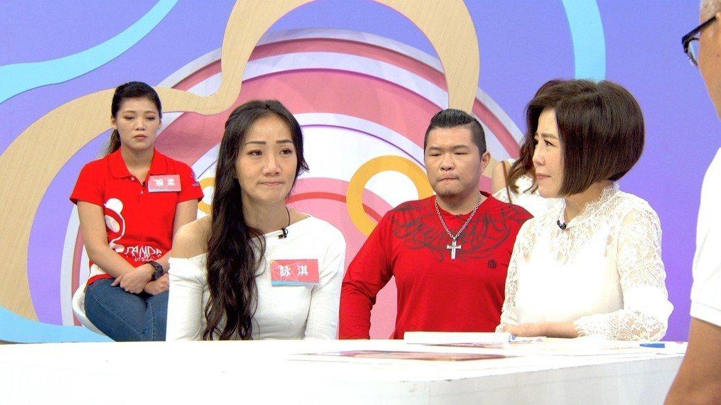馬如龍女兒(左)上東風「什麼道理?」談爸爸馬如龍。圖/東風衛視提供