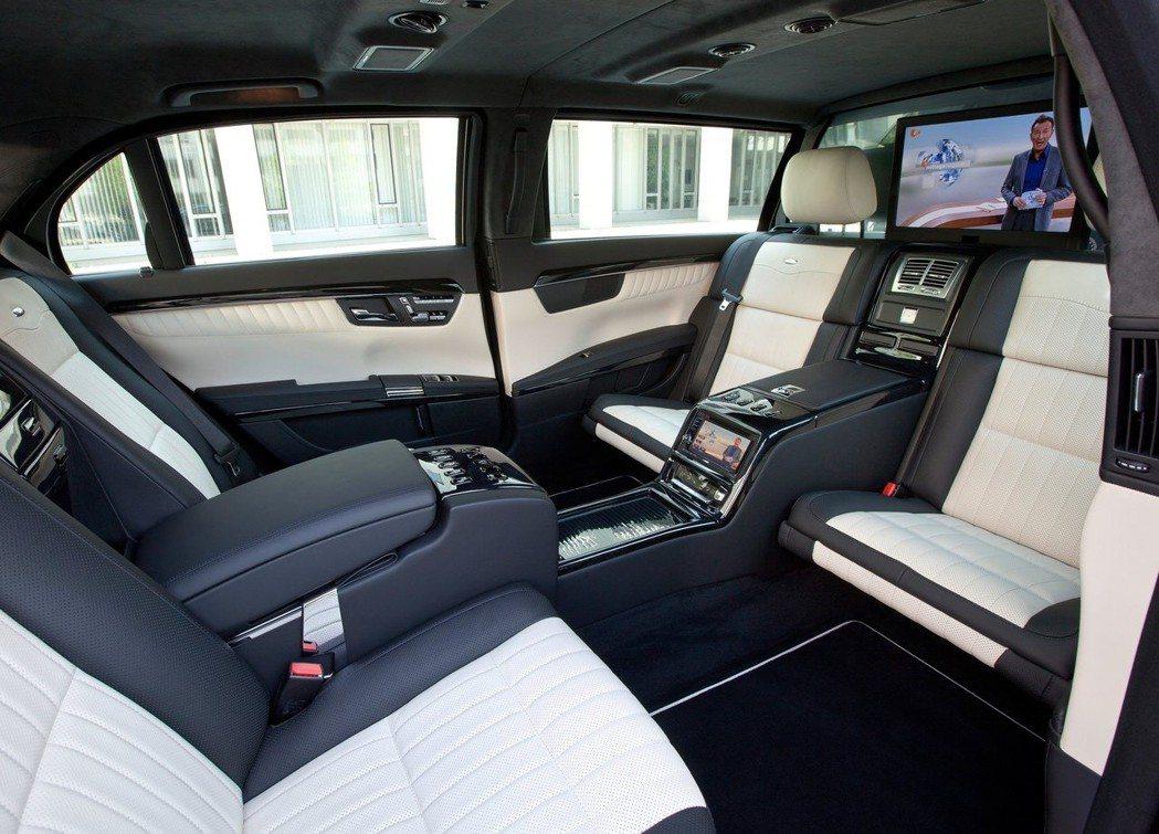 Mercedes-Benz-S600 Pullman Guard後座(2011)...
